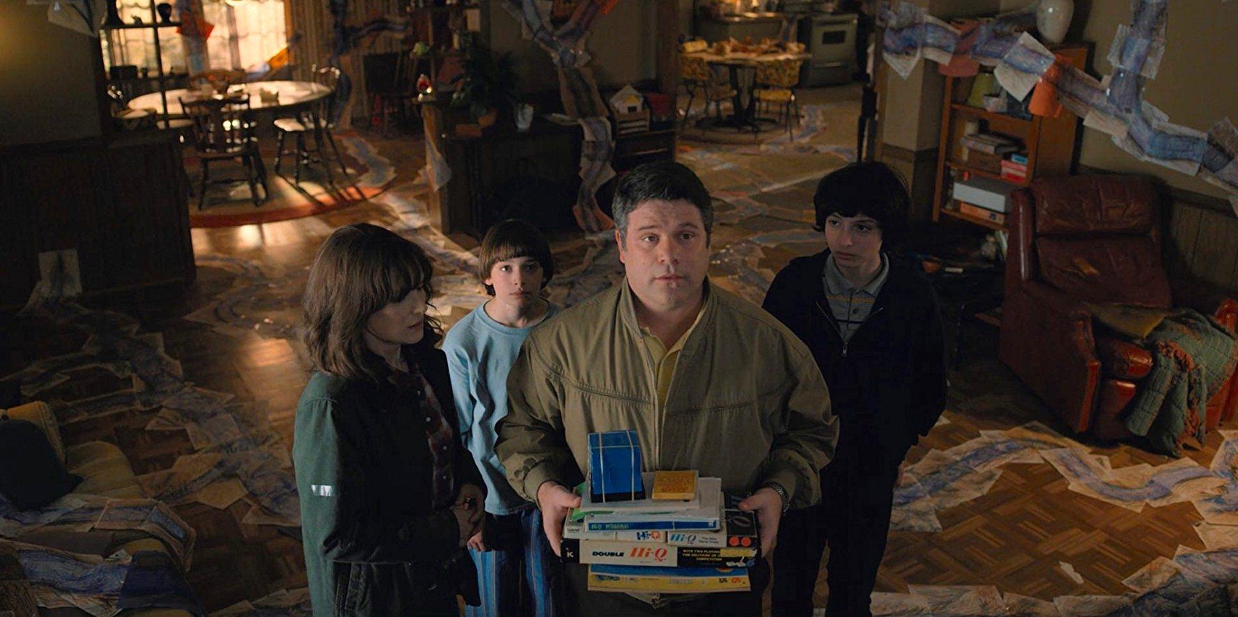 "Photo of 'Stranger Things' Recap: ""Chapter Five: Dig Dug"""